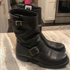 Leather boots, excellent condition, like new